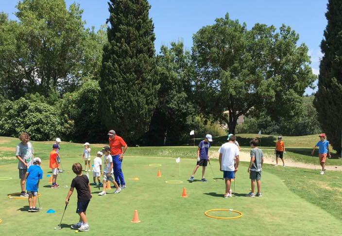 Cours collectifs pour junior en été
