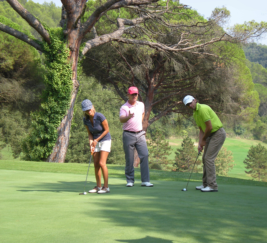 Start and discover the game of golf on the course