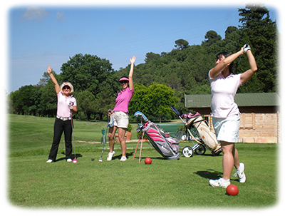coaching intensif sur le terrain de golf