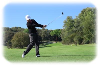 swing sur le parcours de golf